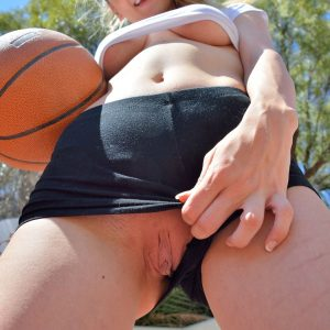 Molly on ftvx with basketball skills